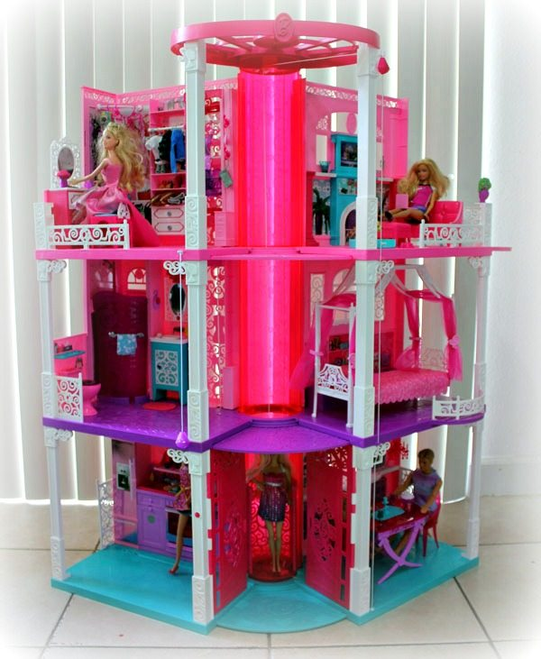 Barbie-Dreamhouse_2013