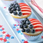 4th of July Cupcakes – Wave the Flag