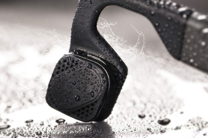 AfterShokz_Bluez-2_sweat_resistant2