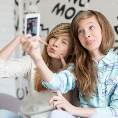 Best Apps to Keep An Eye on Your Kids' Smartphones
